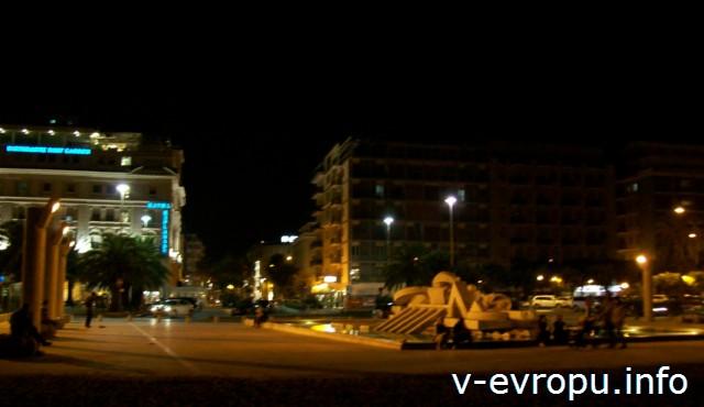 Улицы Пескары. Ночь.