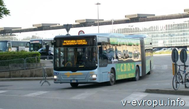Пескара. Городской автобус для самостоятельной экскурсии по городу