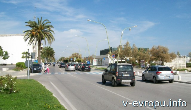 Пескара. Виале делла Ривьера рядом с набережной