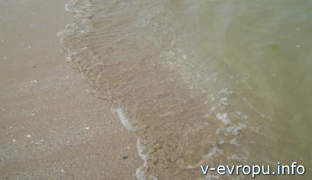 Пляж Пескары. Песчаное морское дно