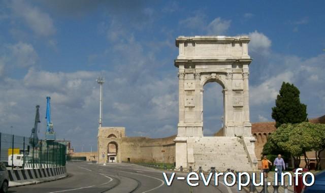 Триумфальная арка Траяна в Анконе
