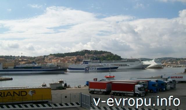 Морская гавань Анконы сегодня