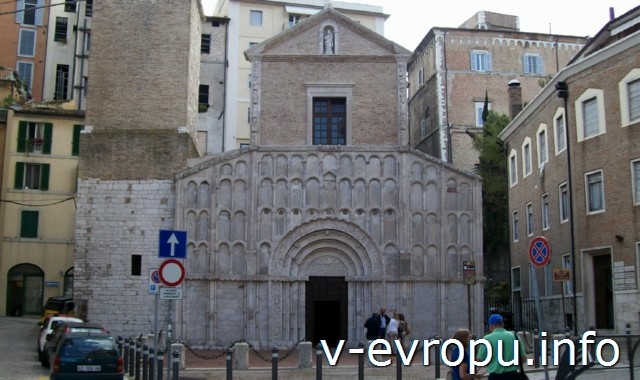 Церковь Санта Мария делла Пьяцца  в Анконе (Церковь Святой Марии на площади)