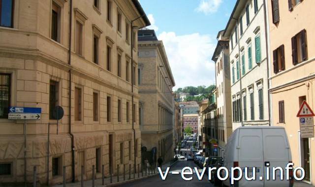Улицы Анконы. Фото. Жилая улица