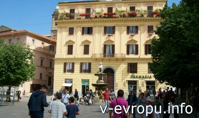 Фонтан Кавалли в Анконе на пьяцца Рома
