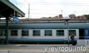 Жд вокзал Анконы. Пригородный поезд