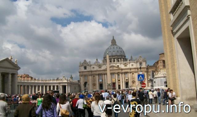 Рим. Воскресная проповедь Папы  в Ватикане