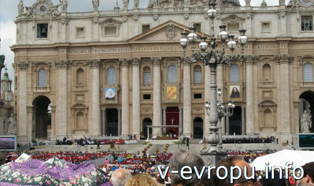 Ватикан. Воскресная проповедь Папы. Фото 12 мая 2013
