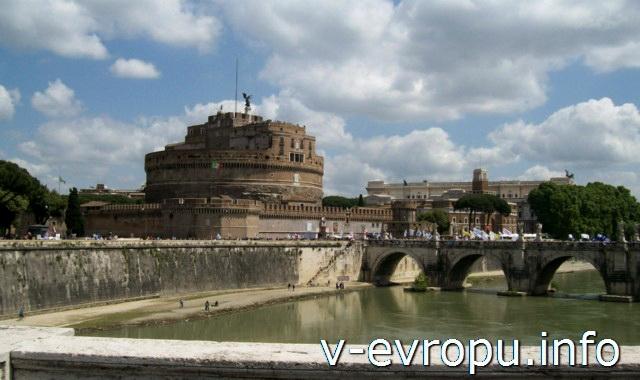 Мост Святого Ангела в Риме. Фото