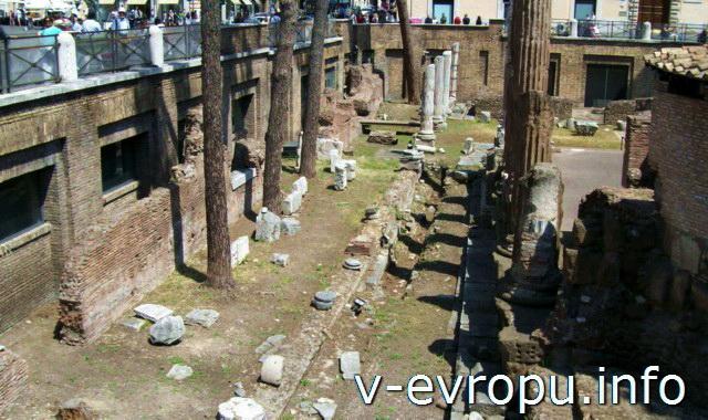 Рим. Ареа Сакра. Западная сторона
