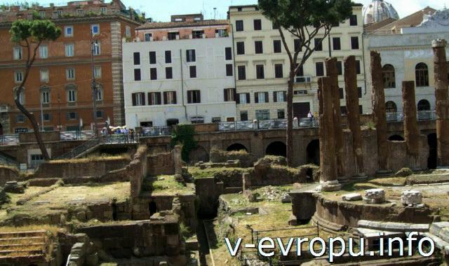Рим: Храм С  (Феронии) Ареа Сакра в Риме