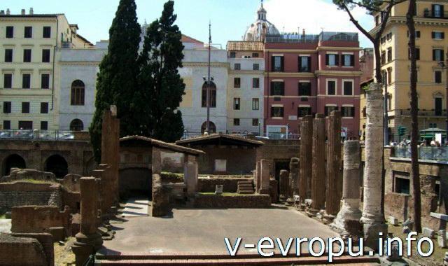 Рим: Храм А (Ютурны) на Ареа Сакра