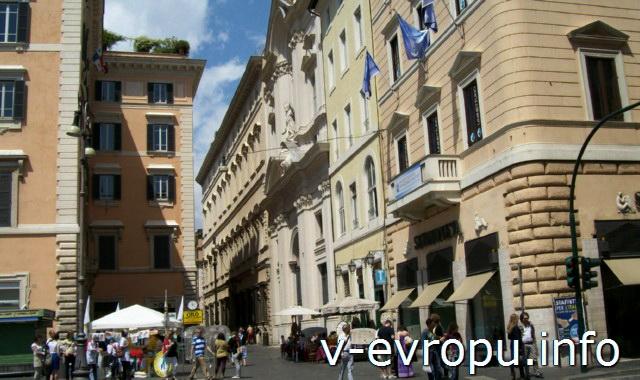 Район Ареа Сакры, где в Риме живут кошки