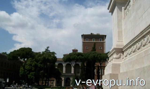 Рим. Палаццо Венеция.Фасад базилики Сан Марко