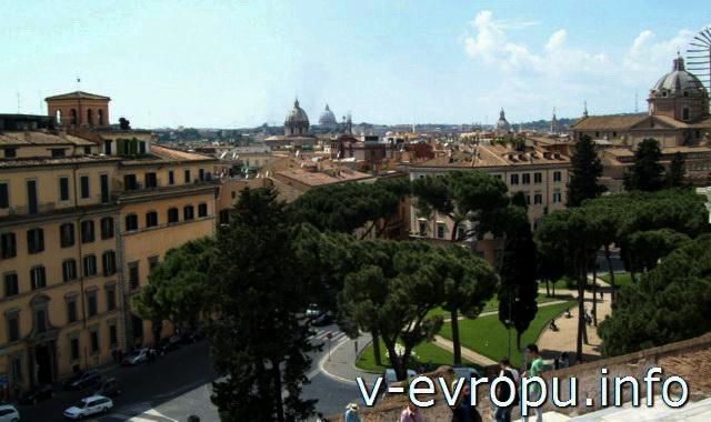 Рим. Вид с Капитолия на пьяцца Венеция