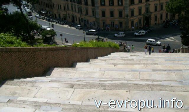 124 ступени лестницы Санта Мария ин Арачели