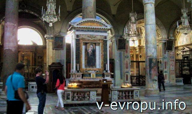 Рим. Икона Девы Марии в Санта Мария ин Арачели