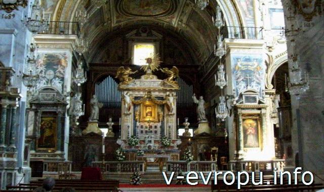 Рим. Базилика «Санта Мария ин Арачели». Главный алтарь.