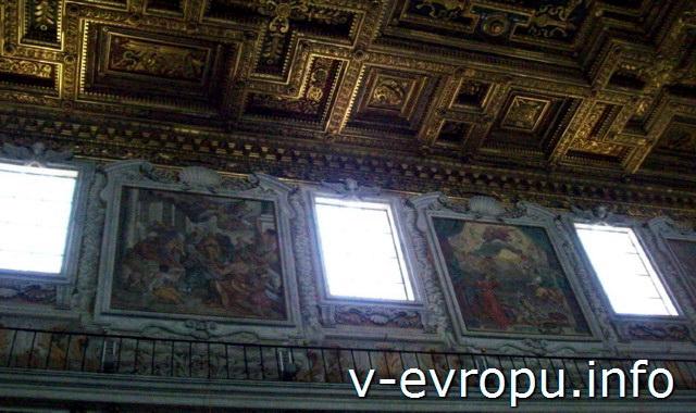 Кессонный потолок базилики Санта Мария ин Арачели