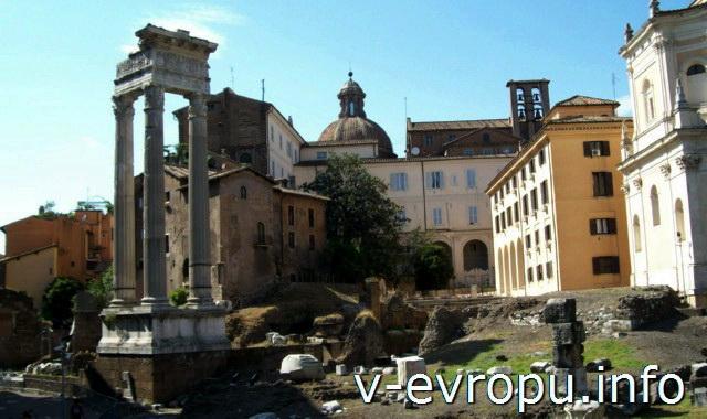 Рим. Разрушенные постройки Театра Марцелла