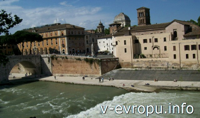 Тиберина в Риме:  история острова