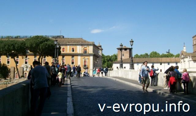 Мост Палатино в Риме