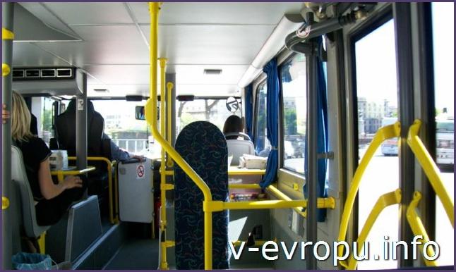 Рим. Обзорные экскурсии по Риму на автобусе. На 1-ом этаже автобуса обычный салон