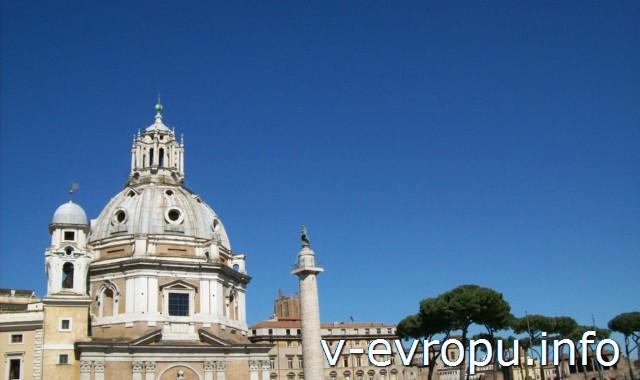 Рим. Колонна Траяна о скульптурой Апостолу Петру