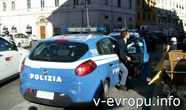 Транспорт Рима. Фото. Полиция всегда рядом