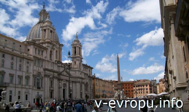 Рим: Церковь Сант Аньезе ин Агоне на площади Навона