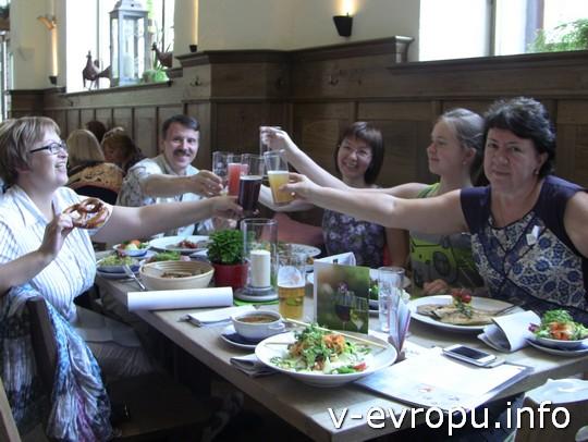 Живая встреча в Мюнхене: поднимаем бокалы со знанием дела