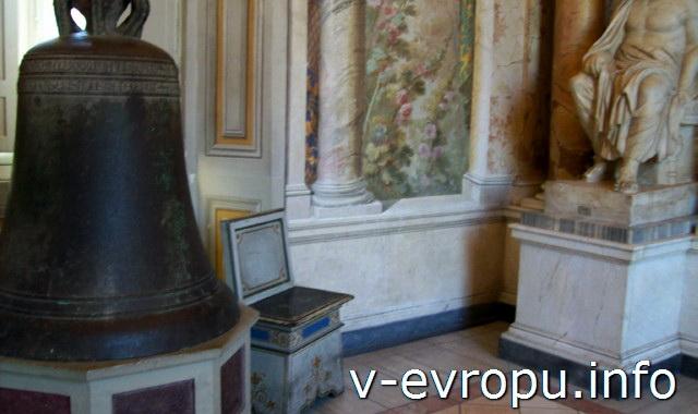 Колокол в Христианском Музее Ватикана