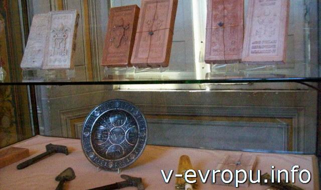 Строительные материалы и инструменты для постройки соборов