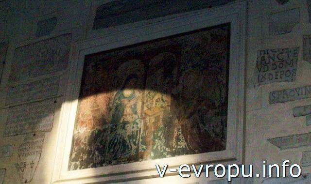 Рим. Фреска от старой церкви 4-го века Святой Марии ин Трастевере