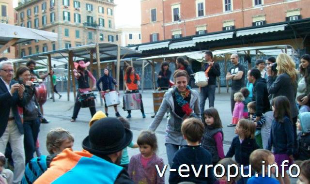 Трастевере. Уличные артисты в Риме