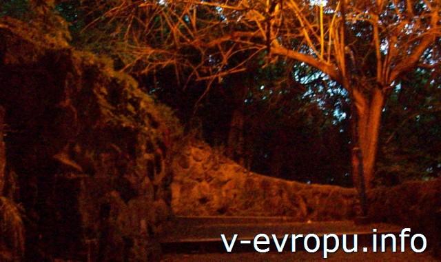 Рим. Лестница на холме Яникул в районе Трастевере