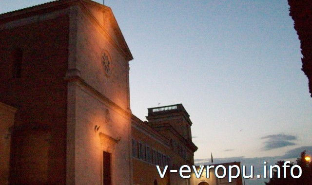 Рим. Церковь Сан Пьетро ин Монторио. По преданию на этом месте распяли Апостола Петра