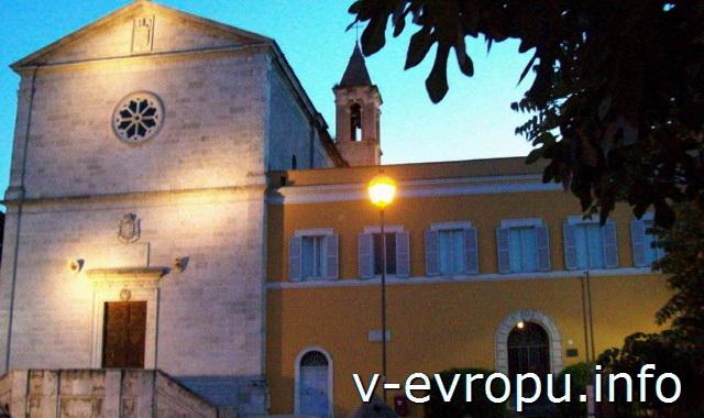 Рим ночью. Церковь Сан Пьето ин Монторио, на месте которой  по  преданию был распят Апостол Петр