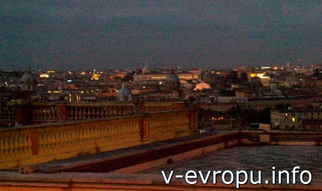 Рим ночью с холма Трестевере Яникул