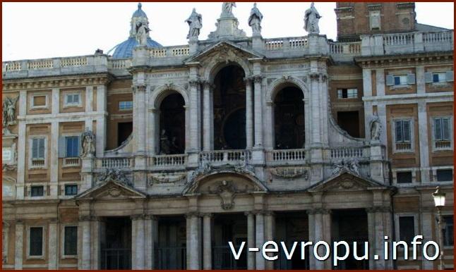 Двухордерный барочный фасад церкви Санта Мария Маджоре