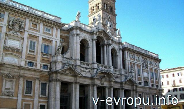 Фасад церкви Санта Мария Маджоре в Риме