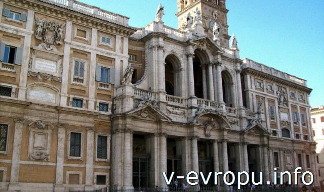 Фасад Базилика Санта Мария Маджоре в Риме