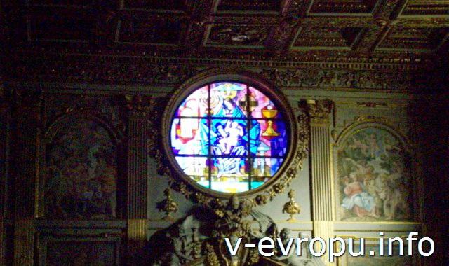 Витражное окно базилики Санта Мария Маджоре