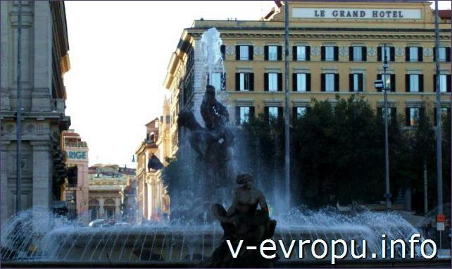 Фонтан Наяд на площади Республики в Риме