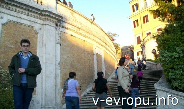 Знаменитые 135 ступенек Испанской Лестницы в Риме