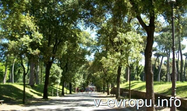 Улица виале Музео Боргезе, которая ведет к вилле Боргезе