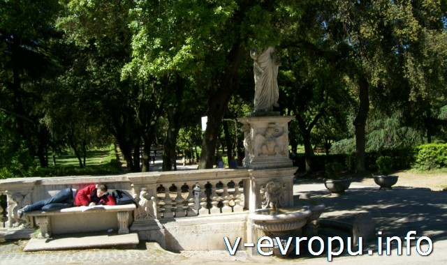 Пьяццале Музея Боргезе, где находится Галерея Боргезе