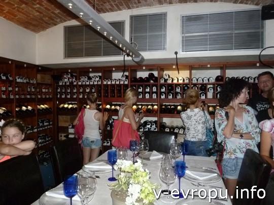 Вечер закончился в погребе с коллекционными винами ресторана Al Cristo