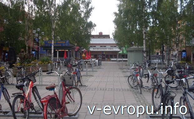 Велопарковка в шведском городке Умео
