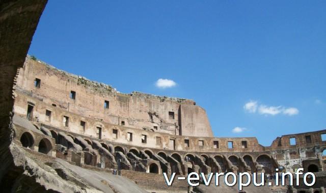Верхние ярусы Колизея были предназначены для женщин и плебса